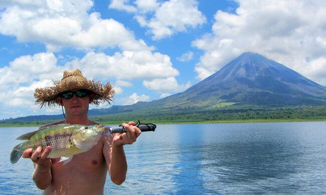 Fishing lake arenal costa rica vacation package for Costa rica fishing packages