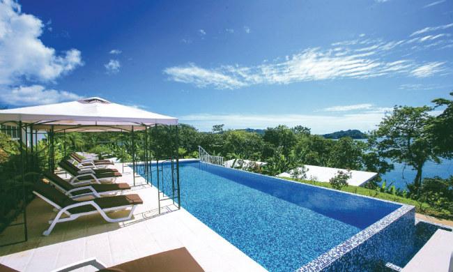 hotel-bocas-del-mar-pool.jpg